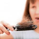 3 formas de detener la caída del cabello durante la menopausia